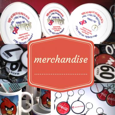 Cetak Mug, Pin, Kaos, Gantungan Kunci, Merchandise